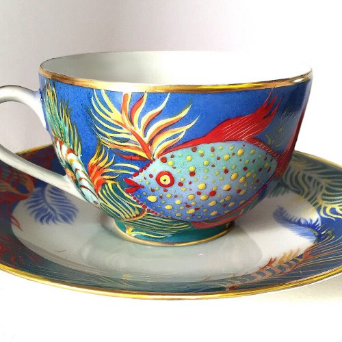 "Tasse à the "" Océan "". Peint à la main, porcelaine de Limoges. Prix d'unité. 80€. Cup to the ""Ocean"". Hand painted Limoges porcelain. unit price. € 80. Чайная чашка"" Океан "". Ручная роспись на лиможском фарфоре. Цена 80€."