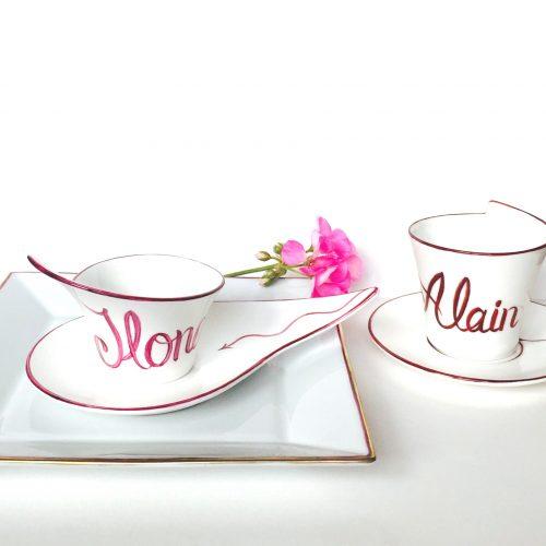 Tasse à café » Prénoms». Bon cadeau pour couple ou toute la famille.  Porcelaine de Limoges. Peint à la main.  Prix d'unité 40€.